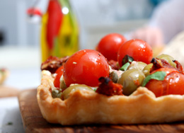 tomato olives tartlet